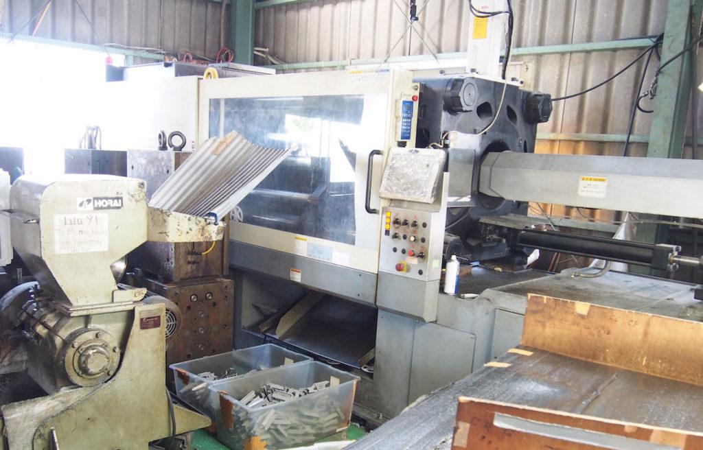 プラスチックスペーサー製造機械 コシカケ